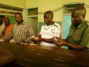 PF cadre caught distributing money