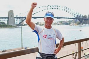 Tom Denniss becomes fastest man to circle globe on foot