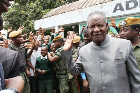 President Sata at Mindolo High School after he launched the construction of Kitwe- Chingola Dual Carriageway -Picture by EDDIE MWANALEZA