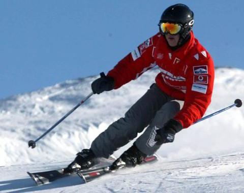 Schumacher during a ski race in Italy [BENVENUTI]