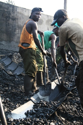 Workers earn about $77 a month at the Collum Coal Mine. Image by Eddie Mwanaleza. Zambia, 2013