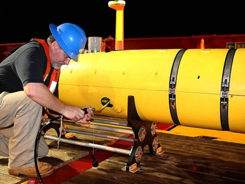 Minisub ... Bluefin-21 being recovered from the Indian Ocean after another fruitless search. Picture- Australian DefenceSource- AFP
