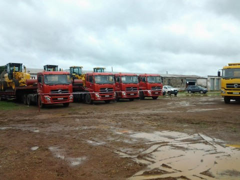 Pave Zambia 2000 equipment for the project-(13) low bed trailers with horse