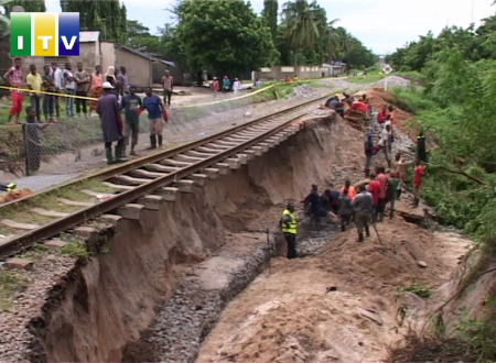Tazara cargo services from the port of Dar es salaam to the regions and neighboring countries have been suspended for seven days following destruction of rail infrastructure at Kurasini Chaurembo area caused by heavy rains.