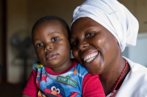 A mother and child in Zambia. The Ministry of Health has tapped IBM to provide 2 190 clinics with easier access to 200 life saving drugs. Photo Credit - UNICEF Zambia.