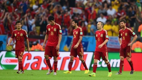 Spain aims to avoid worst ever World Cup defense