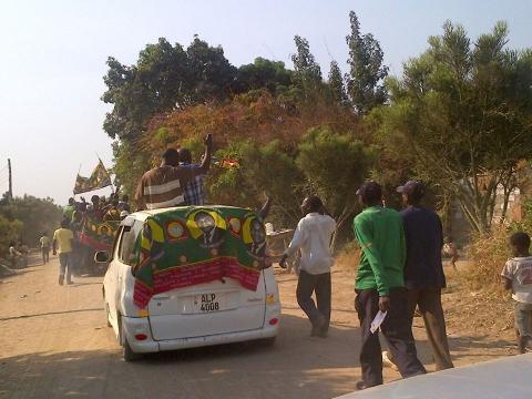 UPND in Mpatamatu, Luanshya road show