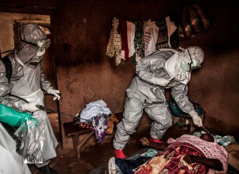 Chilling Photos From the Front Lines of the Ebola Outbreak