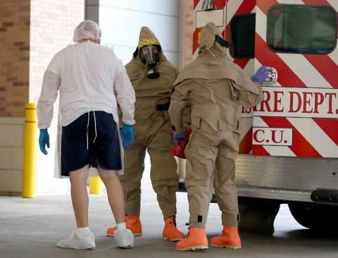A possible Ebola patient is brought to the Texas Health Presbyterian Hospital on October 8, 2014 in Dallas, Texas (AFP Photo/Joe Raedle)
