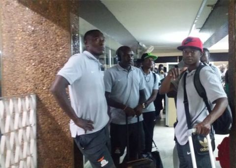 Chipolopolo arrive safely in Niger in Pictures