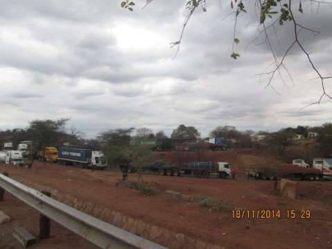 2.3 km truck queue at Chirundu border post