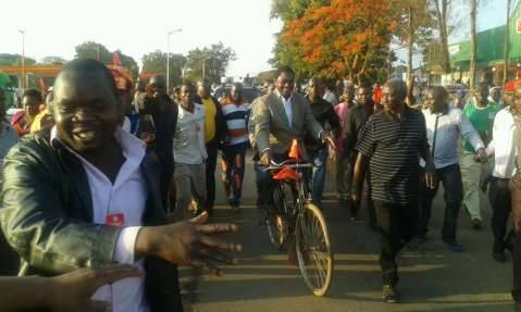 Hakainde Hichilema Dec 7th 2014 - Thank you all for joining me on our Zambia United Tour. I look forward to moving Zambia forward on this new journey,