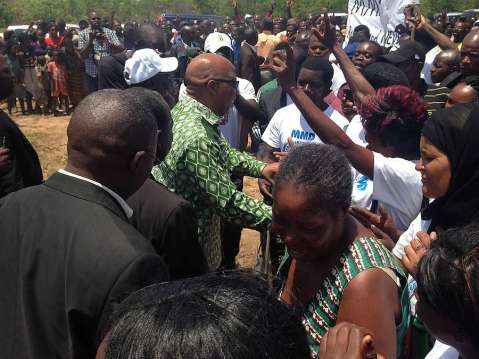 Nevers Mumba greeting supporters