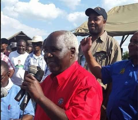 Panji Kaunda leading Deputy Ministers to greet the crowd