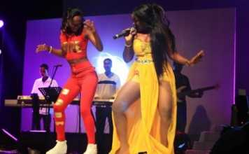 African star, Zambian R & B singer Mampi performed live in the Seychelles capital of Victoria alongside various local artist of the Indian Ocean Islands. (Joe Laurence) Photo license