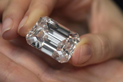 Giant 100-carat diamond