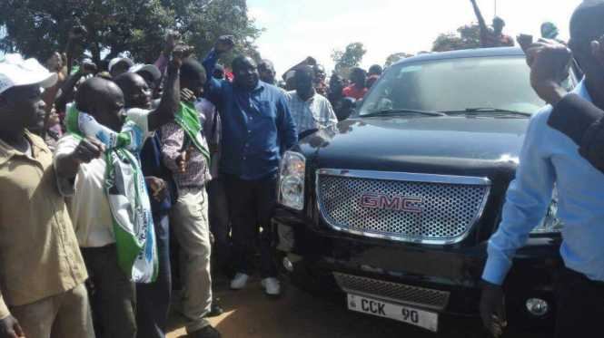 Dr. Chishimba Kambwili successfully files in his nomination papers