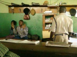 PF cadre caught distributing money
