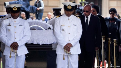 South Africans pay last respects to Mandela