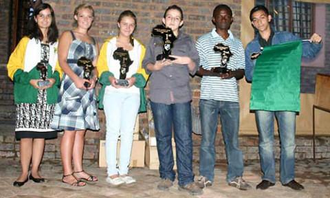 L-R) Darleen Wiid (S. Africa) -3rd, Ezat Roos (S. Africa) -2nd, Melissa Greef (S. Africa) -1st, IM Kariem Wageih (Egypt) -1st, Andrew Kayonde (Zambia) -2nd, Mosab Gator (Libya) -3rd.jpg