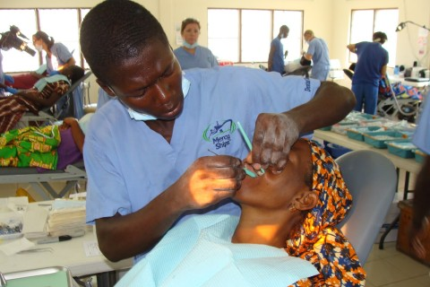 Mercy Ships tandartsen in Togo