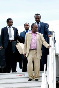 President Michael Sata alights from Emirates plane at Kenneth Kaunda International Airport from London -Pictures by EDDIE MWANALEZA -