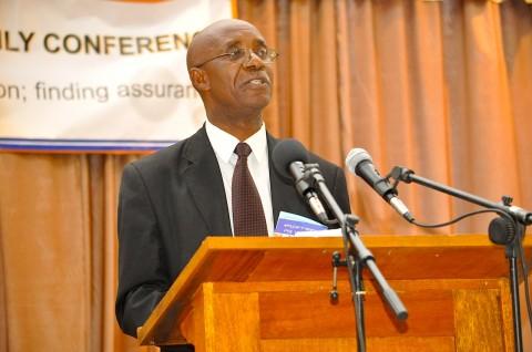 Evaristo Mambwe presenting on the work of Bible Society of Zambia