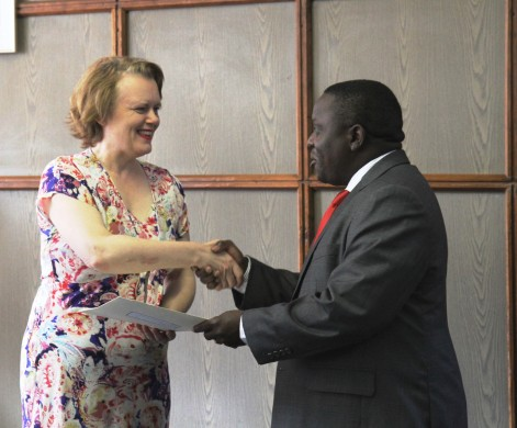 MS. JANET ROGAN PRESENTS HER CREDENTIALS TO THE MINISTER OF FOREIGN AFFAIRS, HON. HARRY KALABA, MP (PHOTO- REKHA SHRESTHA:UN RCO