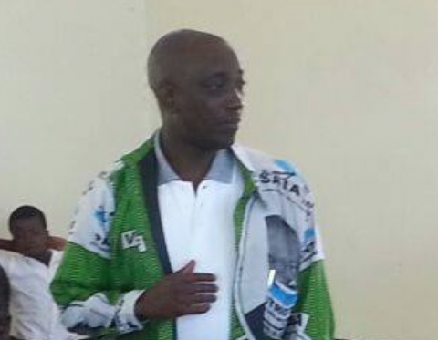 PF Luapula Province Chairman Nixon Chilangwa addressing us this morning in a party meeting in Kawambwa
