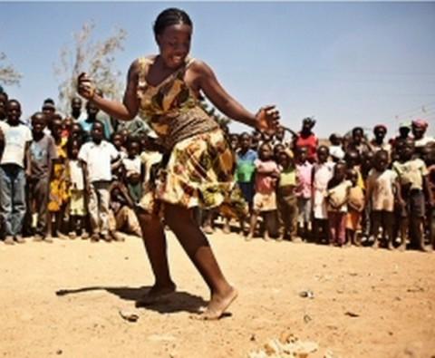 Zambian woman dancing - lusakavoice.com 2014-05-18 at 11.02.51 AM