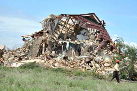 A joint team of State Police and Kitwe City Council (KCC) officers conducted the demolition exercise