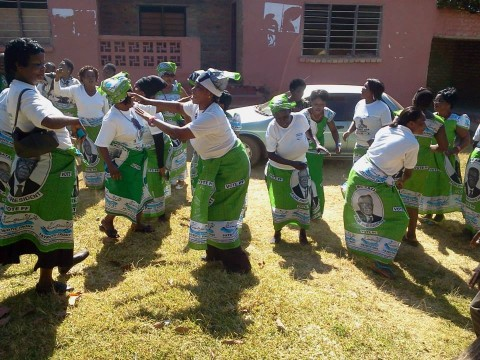 SIGNING AND DANCING, ANTI KABIMBA SONG AT THEIR PF OFFICE — in Kasama
