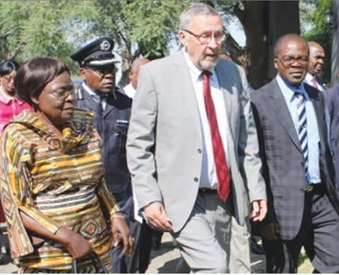VICE-PRESIDENT Guy Scott flanked by Zambia's High Commissioner to Malawi Salome Mwananshiku (left) and Zambia's High Commissioner to Nigeria Seleman Phangula in Livingstone yesterday – Picture by NANCY MWAPE