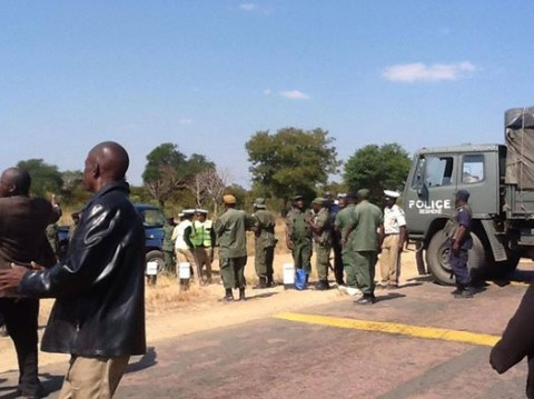 Western Province police block HH after visiting the Litunga. Picture courtesy of Hon. Munji Habeenzu
