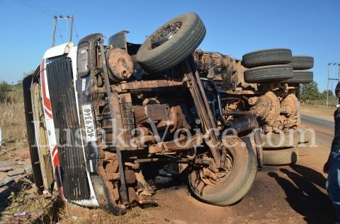 Truck overturns outside Bauleni in Lusaka