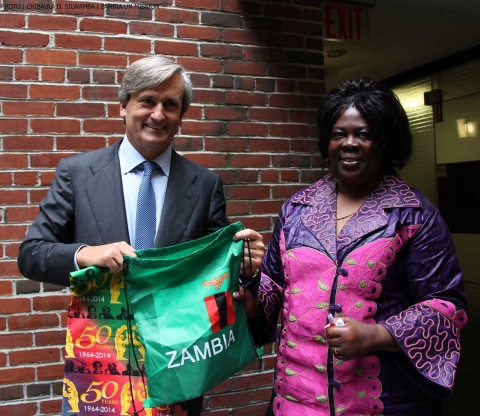 Spain's UN Ambassador Román Oyarzun Marchesi shows off Zambia Golden Jubilee souvenirs he received from Zambia's Minister of Tourism and Arts Jean Kapata (right) in New York on 8-Sept-2014. PHOTO | Chibaula D. Silwamba  | Zambia  UN Mission