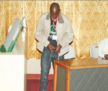 Chembe Daka stunned the public in Chipata when he woke up from deep sleep and started urinating inside the Council Chamber, where tallying of votes in the Kasenengwa by-election was in progress.