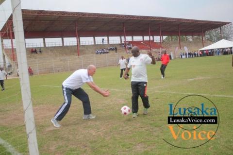 Zanaco MD Dick Bruce releasing a ball to the PS Dr. Patrick Nkanza