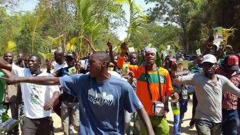 Oyenda na Lungu Aoneka#singing delegated keep on matching in Mulungushi