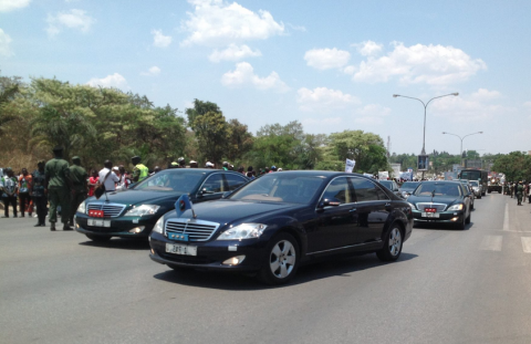 Presidential Limousine - Michael Sata's body returns to Zambia via Kenneth Kaunda International Airport on Saturday, November 1st. Pictures from the Facebook page of QFM News Zambia
