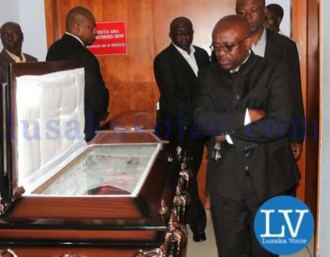 FAZ spokesperson Nkweto Tembwe buries his father Adam Chewe Tembwe who died at 96 years old (born 28th February 1918 and died 21st December 2014) at Lusaka Mutumbi Cemetery on Wednesday, December 24, 2014