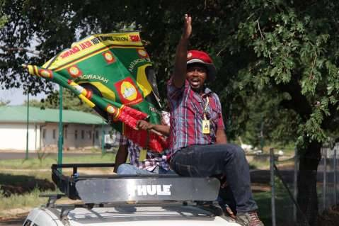 Hakainde Hichilema Dec 7th 2014 - Thank you all for joining me on our Zambia United Tour. I look forward to moving Zambia forward on this new journey,,,