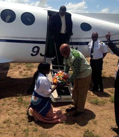 Nevers Mumba receiving flowers