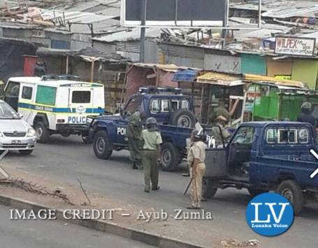 Police in riot gear in Central Lusaka - Someone sent me these photos just now from Lusaka - Lusakavoice.com