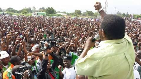MCC Samuel Mukupa has a way with crowds!!