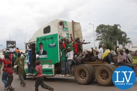 Some PF cadres spotted around Kabwe round about on Saturday afternoon by Jean Mandela for Lusakavoice.com