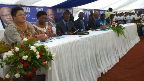MMD The High Table