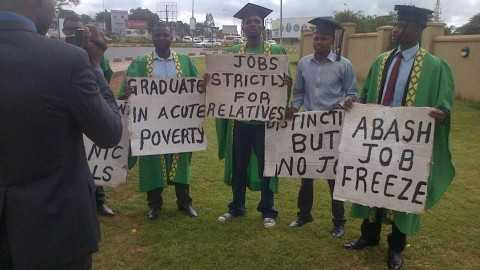 Police arrest protesting jobless ex-UNZA students