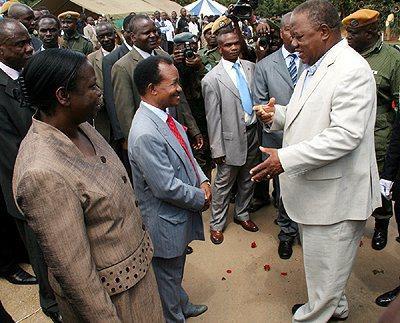 Rupiah Banda talks to Frederick Chiluba