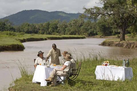 Sanctuary Chichele Presidential Lodge bush breakfast